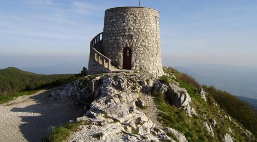 foto torre monte maggiore. jpg
